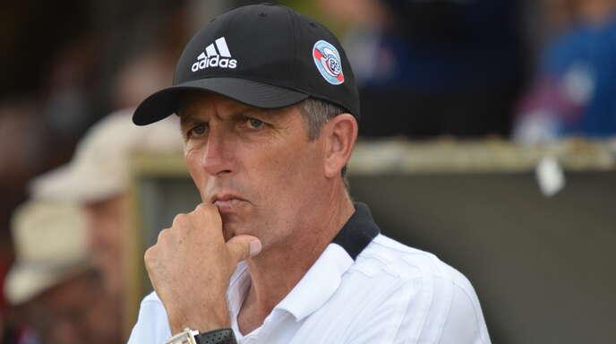 Trainer Thierry Laurey könnte mit Racing Straßburg in der nächsten Runde auf Eintracht Frankfurt treffen.