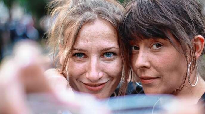 Susanna Metzger (links) und Juliane Wolsza leben ihre Leidenschaft für Musik im Hip-Hop-Duo Suza & DieMooDie aus.
