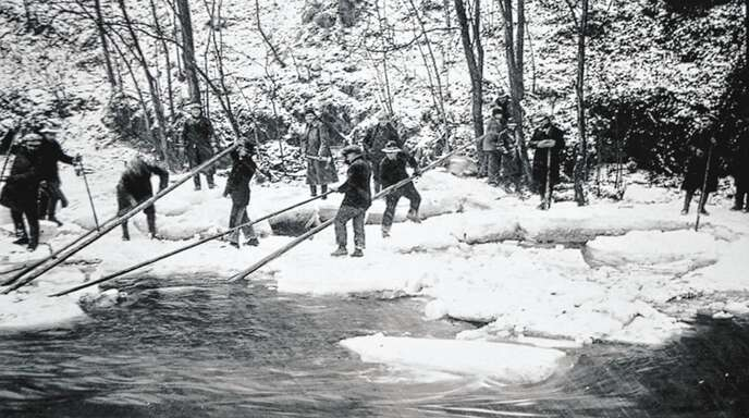Eisgang am Hennenteich bei Renchen 1929.