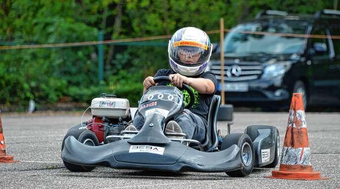 Wie jedes Jahr genossen die Ferienkinder das Angebot des MSC Hornisgrinde, einmal mit dem Kart ordentlich Gas zu geben.