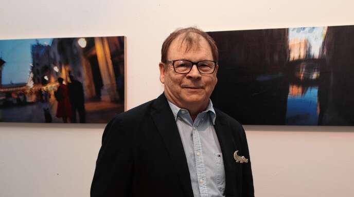 Impressionen aus der Lagunenstadt: Tilman Krieg vor seinen Venedig-Motiven im Zeller Kunstmuseum.