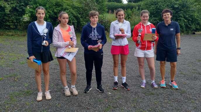 Die erfolgreichen Teilnehmerinnen der U14 und U18 (v. l.): Elly Braun, Chiara Arcilesi, Eva Kiesel, Pauline Wussler, Ann-Kathrin Roth und Rosi Breig.