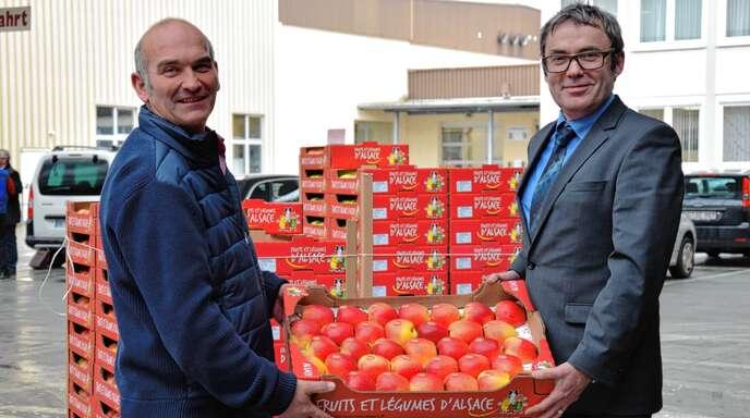 Vorstandsvorsitzender Wendelin Obrecht (links) und der geschäftsführende Vorsitzende Marcelino Expósito des OGM reagieren mit der Schließung der Annahmestelle auf den Strukturwandel in der Branche.