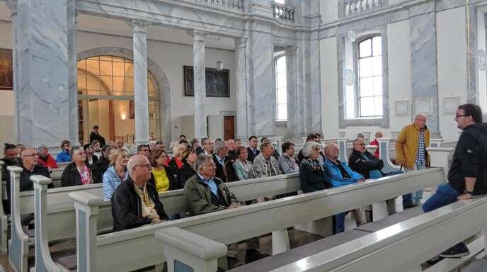 Das Interesse an den Führungen durch Kirche, Museum und Ausgrabungen in Schuttern war groß.