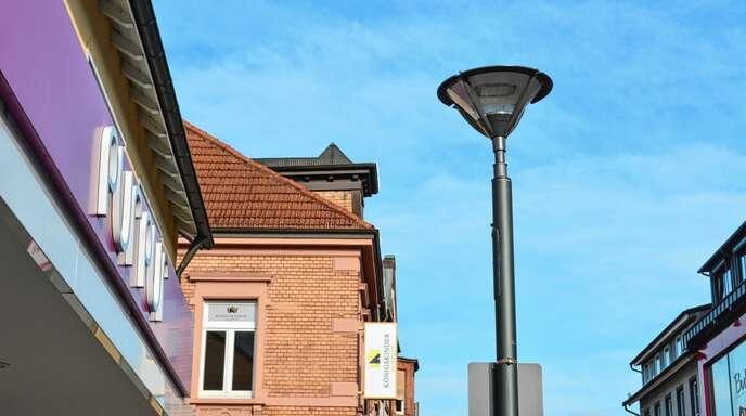 Nach und nach werden die alten Straßenlampen in Achern ausgewechselt. Die Stadtverwaltung hat da noch einiges vor sich.