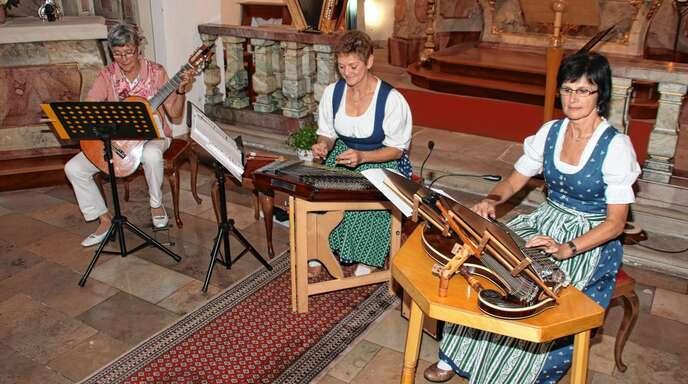 Ein musikalischer Traum ging für das Brima Saitentrio in Erfüllung, das am Sonntag in der voll besetzten Antonius-Kapelle ein Konzert mit feinen Klangfarben gab (von links): Christel Zorn, Brigitta Herzog und Marga Kern.