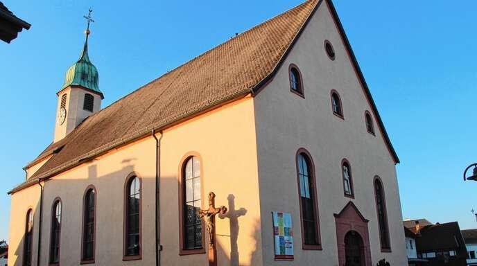 Die Glocke der Pfarrkirche St. Josef in Önsbach darf weiterhin nachts läuten, das entschied der Ortschaftsrat. Ein Anwohner fühlt sich dadurch gestört.