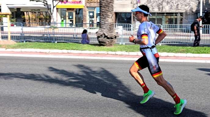 Auf der Laufstrecke musste Jörg Scheiderbauer seine Führung abgeben, freute sich aber über Platz drei.