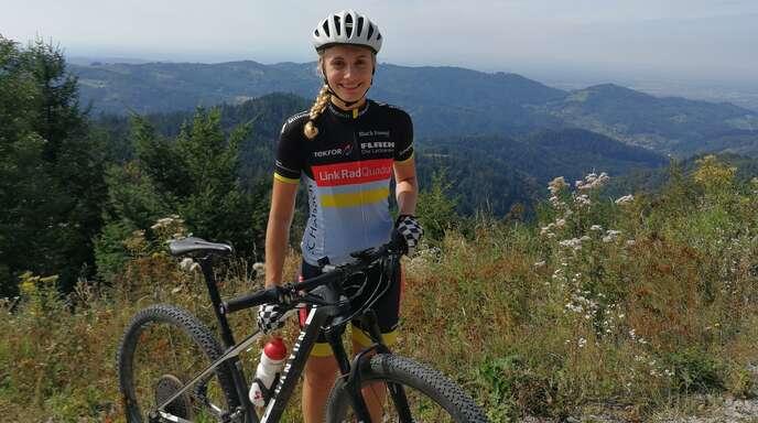 Die Oberkircherin Alina Bähr hat sich in ihrem heimischen Trainingsrevier intensiv auf die große Herausforderung Mountainbike-Marathon-Weltmeisterschaft vorbereitet.
