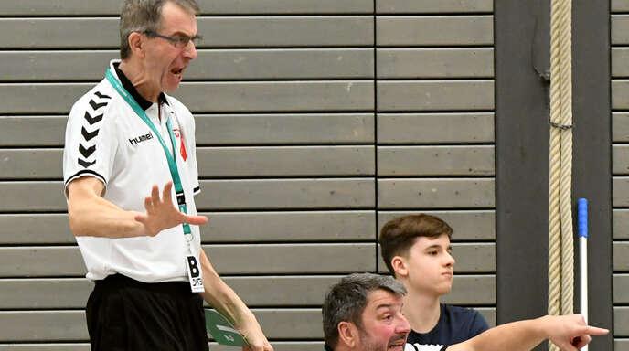 Bernd Junker (stehend) hat die Ferien für intensives Training genutzt.