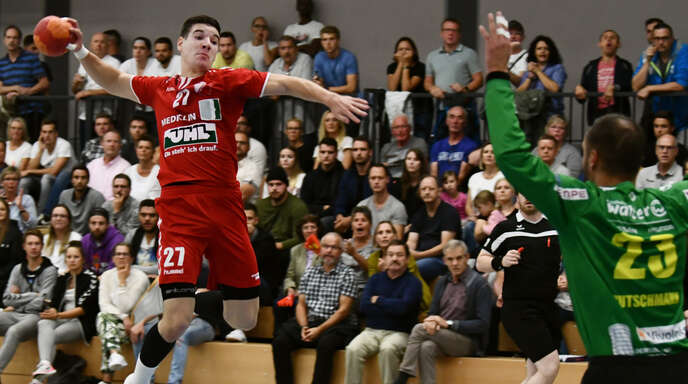 Julian Seigel (l.) durfte sich mit dem TuS Schutterwald über den ersten Oberliga-Punkt freuen.