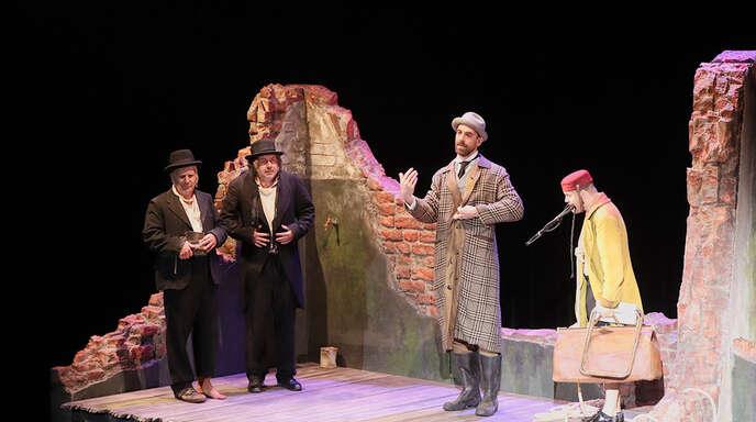 """Nebulöse Handlung in einer Ruine: """"Warten auf Godot"""" überlässt es dem Zuschauer, die Botschaft des Stücks zu deuten."""