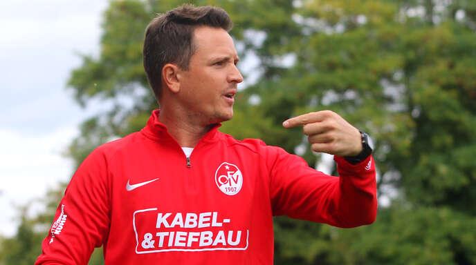 OFV-Trainer Florian Kneuker plagen weiterhin Personalsorgen, sodass er im Heimspiel gegen Waldkirch erneut nur 15 Feldspieler zur Verfügung hat.