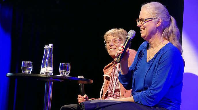 Bewiesen Improvisationstalent: Isabel Bogdan (rechts) und Cornelia Holfelder-von der Tann.