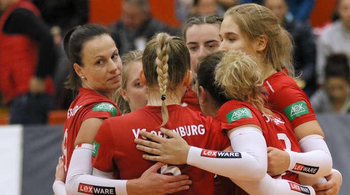 VCO-Routinier Lisa Solleder (links) hofft mit ihrer Mannschaft in Sinsheim auf Punkte.