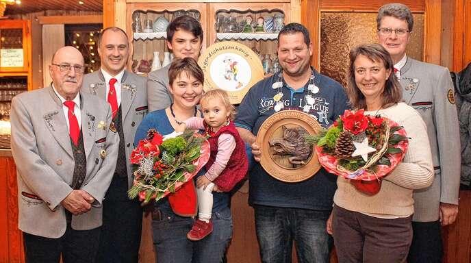 Bei der Königsfeier des KK-Schützenvereins (von links): Werner Vogt, Alois Braun, Benjamin Braun, Katharina Fey, Thomas Maier, Birgit Kern und Wolfgang Paulsen.
