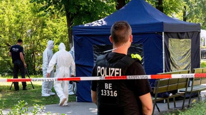 Spurensuche im Berliner Tiergarten: Am 23. August 2019 wurde hier ein Georgier erschossen. Der Mord belastet die deutsch-russischen Beziehungen schwer.