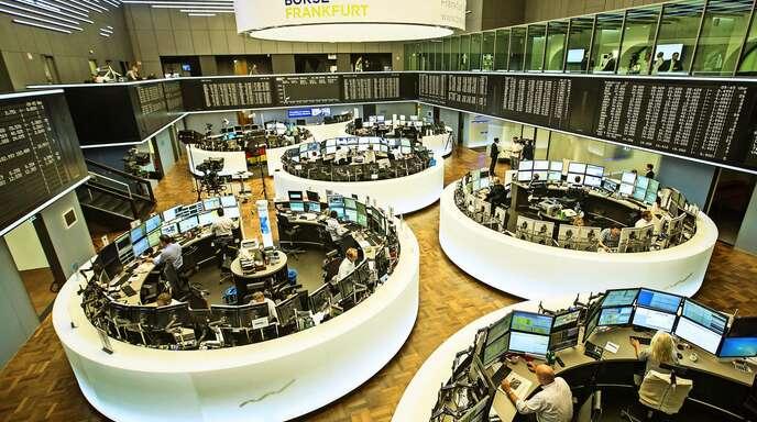 Die Profis im Handelssaal der Deutschen Börse prägen die Vorstellungen vom Aktienmarkt.