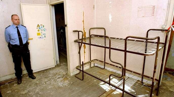Blick in den Raum im belgischen Marcinelle, in dem Marc Dutroux Kinder gefangen hielt.