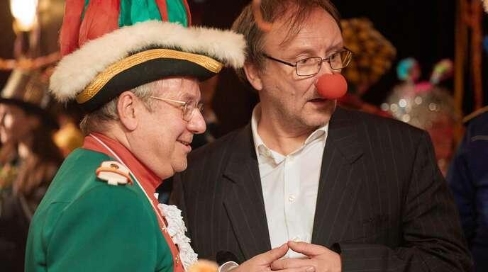 Geschäfte beim Karneval: der Amtsleiter Stüssgen (Joachim Król, li.) und der Unternehmer Asch (Rainer Bock)