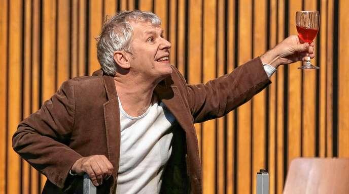 """""""Hier steh' ich nun, ich armer Tor"""": Andreas Guglielmetti als Faust."""