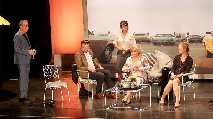 """Machen keine besonders gute Figur: die Protagonisten des Theaterstücks """"Bella Figura"""" um TV-Star Doris Kunstmann (Zweite von rechts)."""