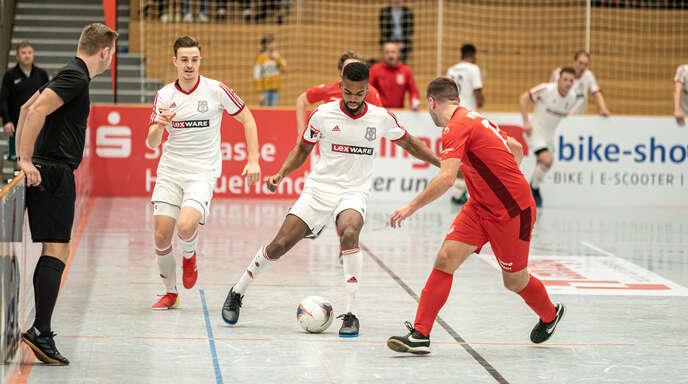 Anthony Mbem-Som Nyamsi vom Freiburger FC (am Ball) wurde als bester Spieler des Turniers ausgezeichnet.