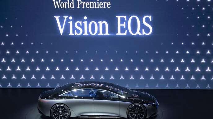 Die elektrifizierte S-Klasse von Daimler soll bald auf den Markt kommen.