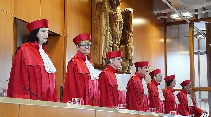 Der Erste Senat des Bundesverfassungsgerichts muss klären, ob der BND im Ausland weiter so horchen darf, wie bisher.