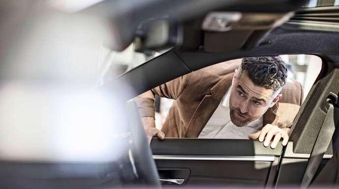 Der Autohandel ist durch die Digitalisierung einem tief greifenden Wandel unterworfen.