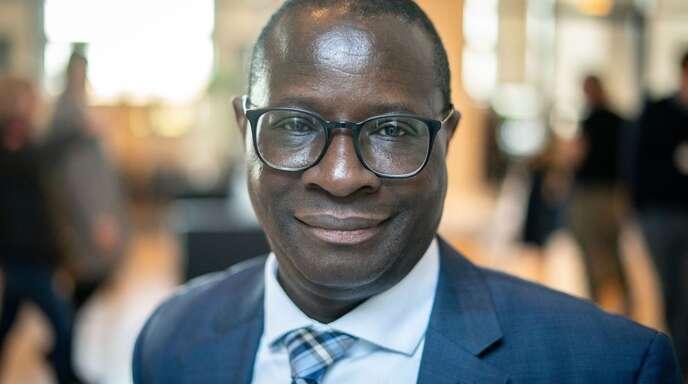 Am Bürgerbüro des SPD-Abgeordneten Karamba Diaby wurden mehrere Einschusslöcher festgestellt.