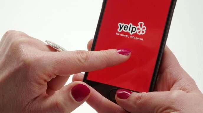 Das Onlinebewertungsportal Yelp darf seine in Sternen ausgedrückte Gesamtbewertung von Unternehmen auf eine automatisierte Auswahl stützen.