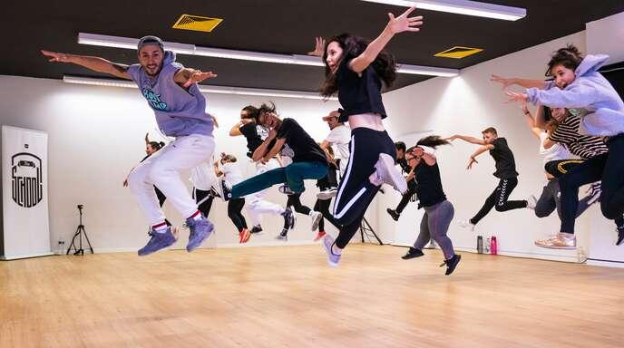 """Hier wird jeder genommen wie er ist: In """"The School"""" tüfteln begeisterte Tänzer an ihren Hip-Hop-Skills."""