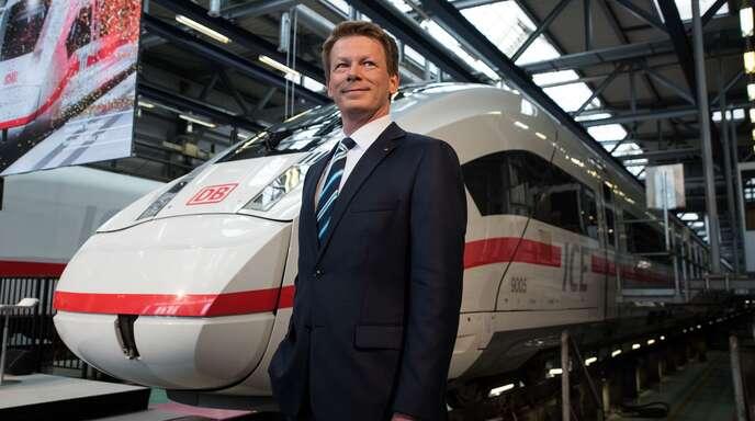 Bahn-Chef Richard Lutz kann zufrieden sein: Die DB hat 2019 einen Fahrgastrekord im Fernverkehr aufgestellt.