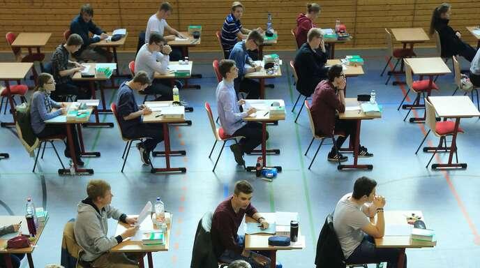 Zum Schulabschluss soll es auch 2020 Prüfungen geben.