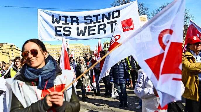 Ganz ohne Protest und Streik (hier ein Bild aus Stuttgart von 2019) haben die Gewerkschaften des öffentlichen Dienstes einen Tarifvertrag zur Kurzarbeit vereinbart.