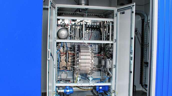 Die Hochschule Offenburg verfügt über einen Elektrolyseur, mit diesem wird Wasserstoff hergestellt.
