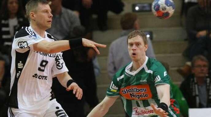 In ihrer aktiven Karriere oftmals Gegenspieler: Gudjon Valur Sigurdsson (li., im Dress des THW Kiel) und Christian Schöne von Frisch Auf Göppingen