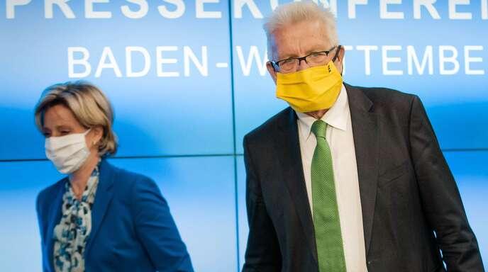 Wollen den Schutzschirm für die Wirtschaft vergrößern: Ministerpräsident Winfried Kretschmann (rechts) und Wirtschaftsministerin Nicole Hoffmeister-Kraut