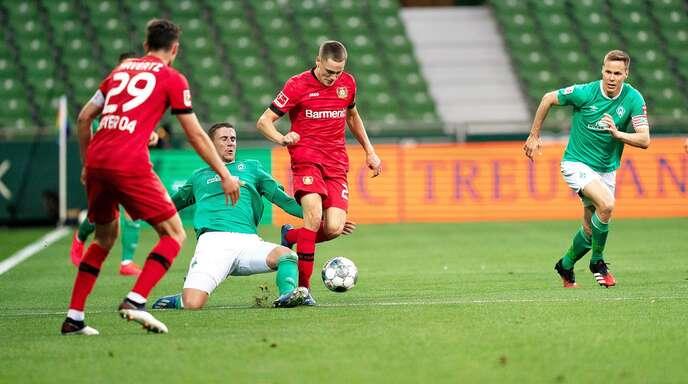 Jugend forsch: Die Rasselbande von Bayer Leverkusen um Kai Havertz und Florian Wirtz mischt die Bundesliga auf – hier hat Werder Bremen das Nachsehen.