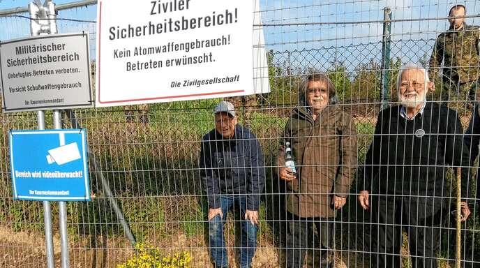 Mit vier weiteren Friedensaktivisten war Klaus Bürkle am 30. April 2019 auf das Gelände des Luftwaffenstützpunktes Büchel eingedrungen.
