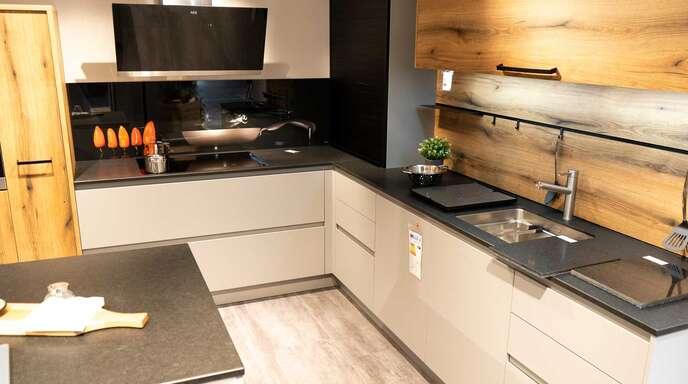 Das Fischer-Küchen-Team präsentiert auf 1100 Quadratmetern Aktionsfläche hochwertige Marken und tolle Küchenideen.