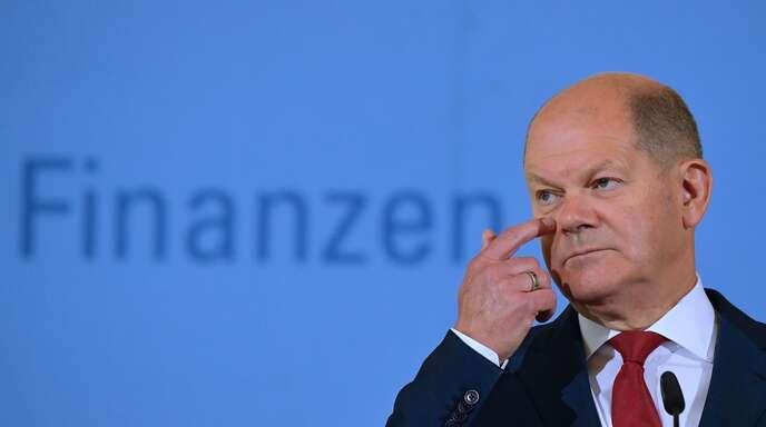 Und noch mehr Milliarden: Bundesfinanzminister Olaf Scholz (SPD) hat am Freitag der Öffentlichkeit über die teuren Beschlüssen des Bundeskabinetts berichtet.
