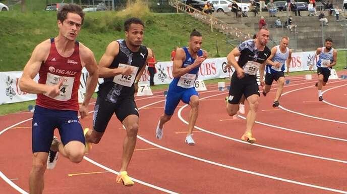 Milo Skupin-Alfa (2. von links) kam bei seinem vierten Platz über 200 Meter in Luzern gut aus dem Startblock.