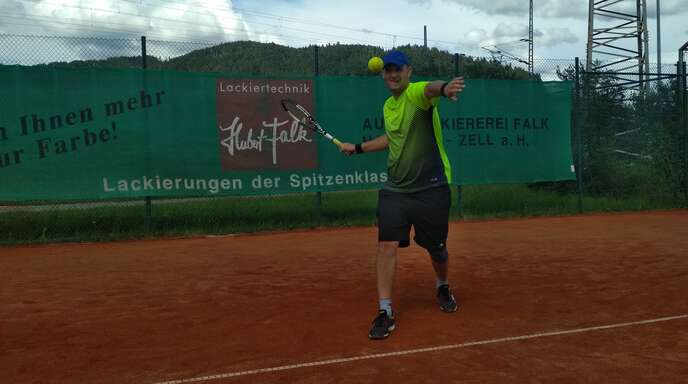 Kai Eble gewann sein Einzel beim 5:4-Auswärtssieg des TC Haslach in Goldscheuer mit 6:1 und 6:4.