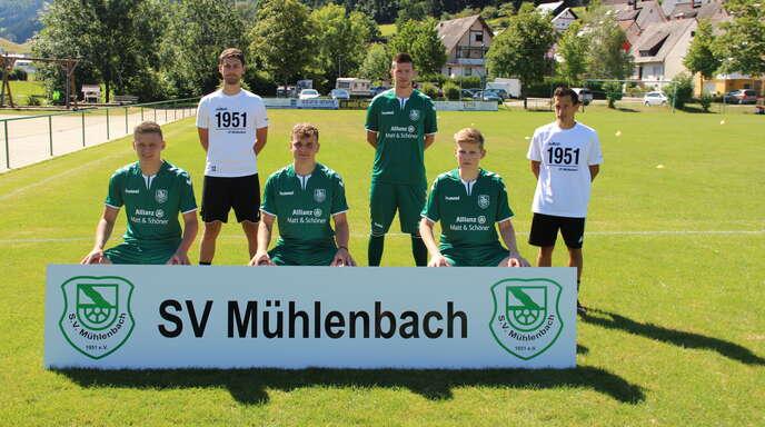 Die Neuen beim SV Mühlenbach (h. v. l.): Co-Trainer Robin Müller, Steffen Brucher, Chef-Trainer Andreas Armbruster. V. v. l.: Felix Orthey, Claudius Bührer und Julian Schmieder.