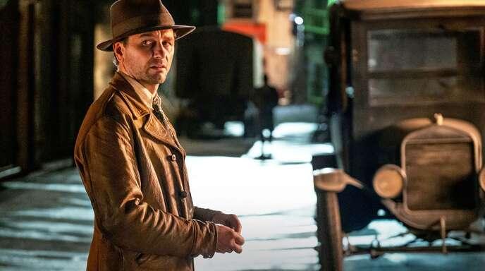 Das soll Perry Mason sein? Matthew Rhys spielt einen ziemlich zerknautschten, von einem Kriegstrauma geplagten Privatdetektiv.