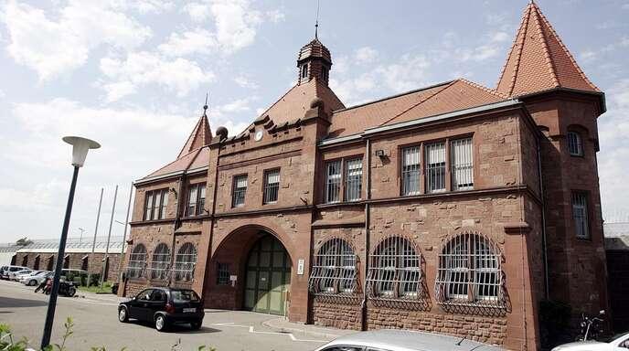 Im Mannheimer Gefängnis beginnt die freiwillige Reihentestung. Dort sind im April sechs Häftlinge positiv auf das Coronavirus getestet worden.