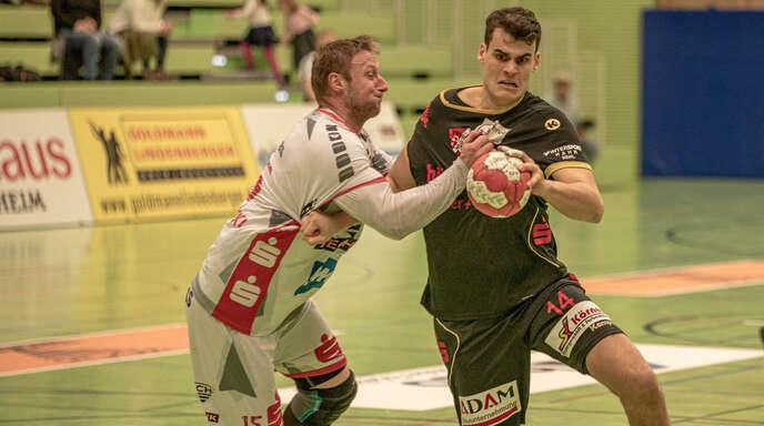 Adrian Fritsch (rechts) hat seine Handballkarriere beendet.