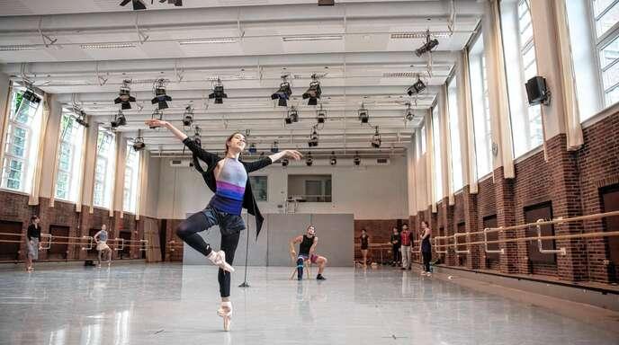 """Probe zum Ballett """"Ghost Light"""". Mit der Choreografie des Hamburg Ballett John Neumeier wollen die Festspiele Baden-Baden am 8. Oktober neu starten."""